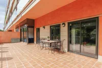 Квартира с большой террасой в центре Gava Mar